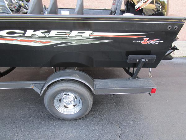 2021 Tracker Boats boat for sale, model of the boat is Pro Guide V-175 Combo & Image # 25 of 27