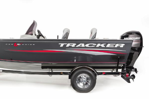 2015 Tracker Boats boat for sale, model of the boat is Pro Guide V-16 SC & Image # 10 of 19