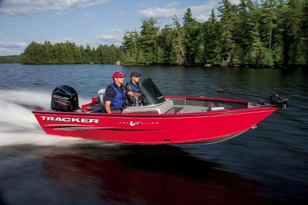 2015 Tracker Boats boat for sale, model of the boat is Pro Guide V-16 SC & Image # 18 of 19