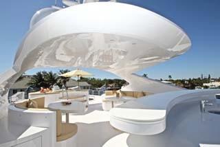 Flybridge Sun Lounge