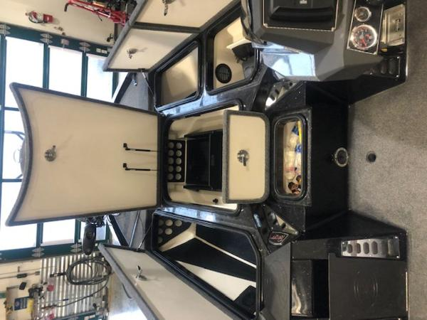 2020 Ranger Boats boat for sale, model of the boat is Z520L & Image # 6 of 10
