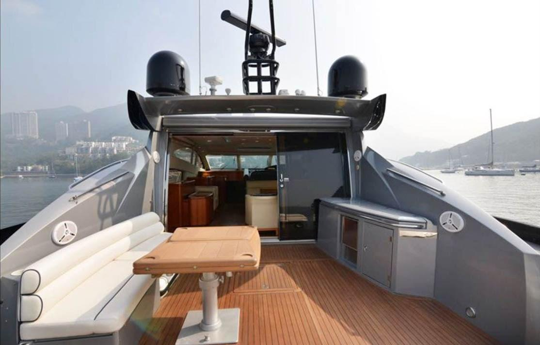 Sunseeker Predator 72 Cockpit