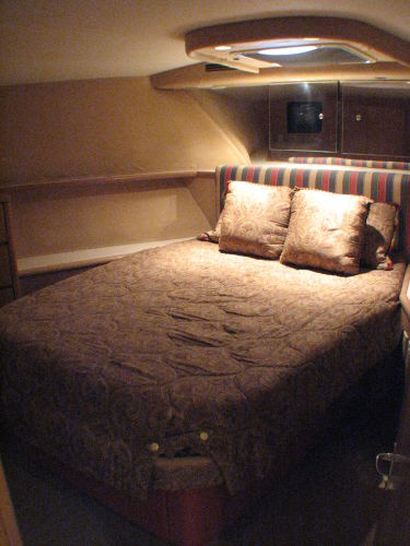Island Queen Bed in Master