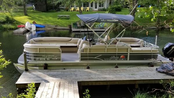 2016 SUN TRACKER PARTY BARGE® 24 XP3 for sale