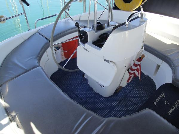 Picture Of:  38' Hunter 376 Sloop 1997Yacht For Sale | 4 of 57