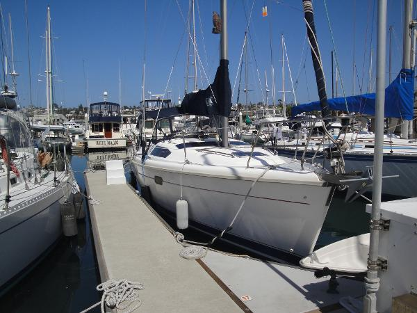 Picture Of:  38' Hunter 376 Sloop 1997Yacht For Sale | 2 of 57