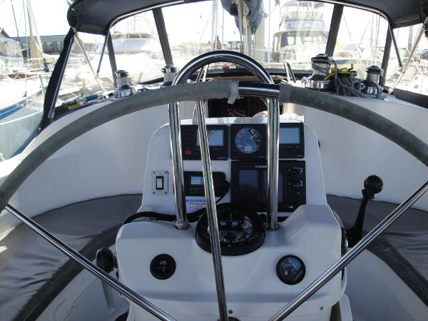 Picture Of:  38' Hunter 376 Sloop 1997Yacht For Sale | 3 of 57