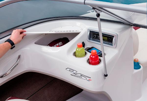 2014 Tahoe boat for sale, model of the boat is Q5i & Image # 28 of 38