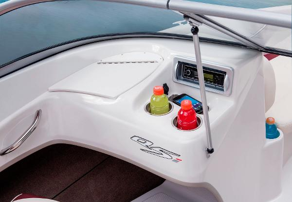 2014 Tahoe boat for sale, model of the boat is Q5i & Image # 29 of 38
