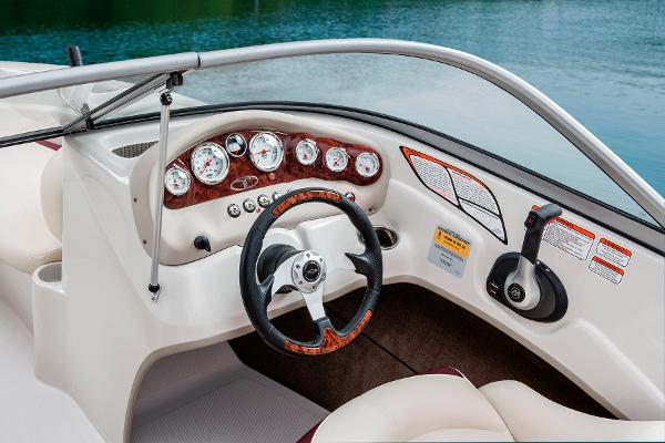 2014 Tahoe boat for sale, model of the boat is Q5i & Image # 31 of 38