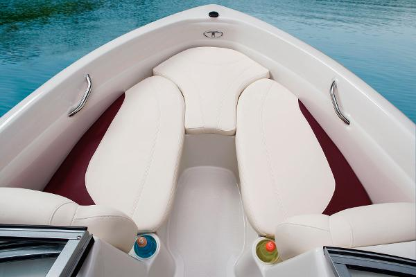 2014 Tahoe boat for sale, model of the boat is Q5i & Image # 32 of 38