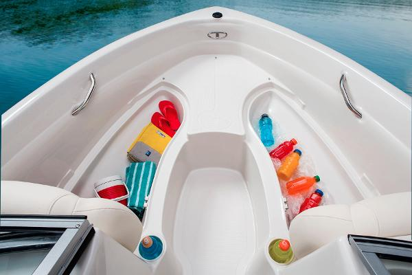 2014 Tahoe boat for sale, model of the boat is Q5i & Image # 33 of 38