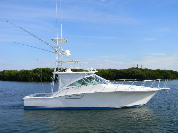 40' Cabo Yachts 40 EXPRESS