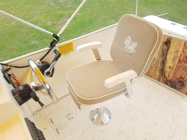 2015 Beachcat boat for sale, model of the boat is 230 & Image # 9 of 14