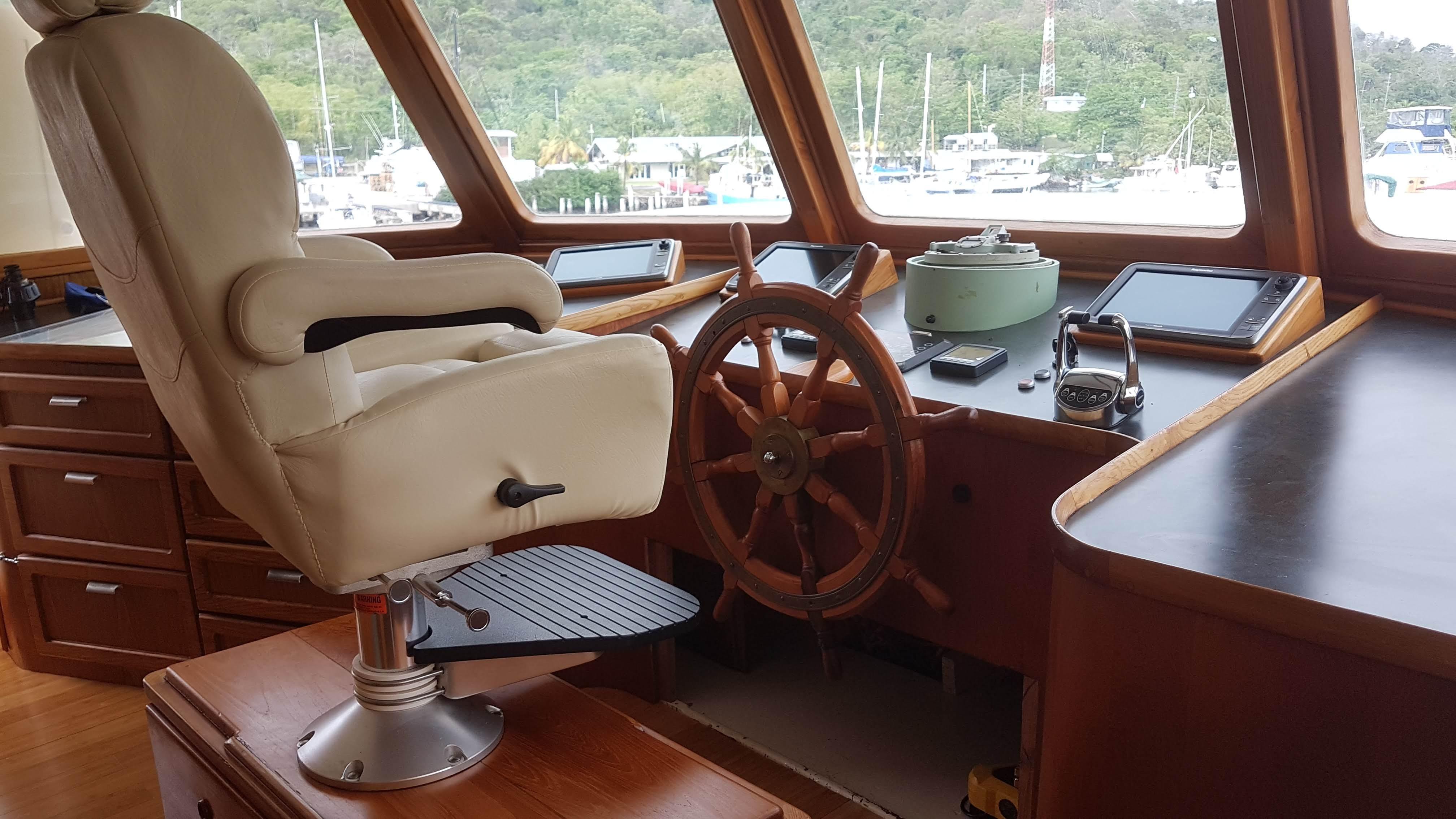 Captains bridge chair