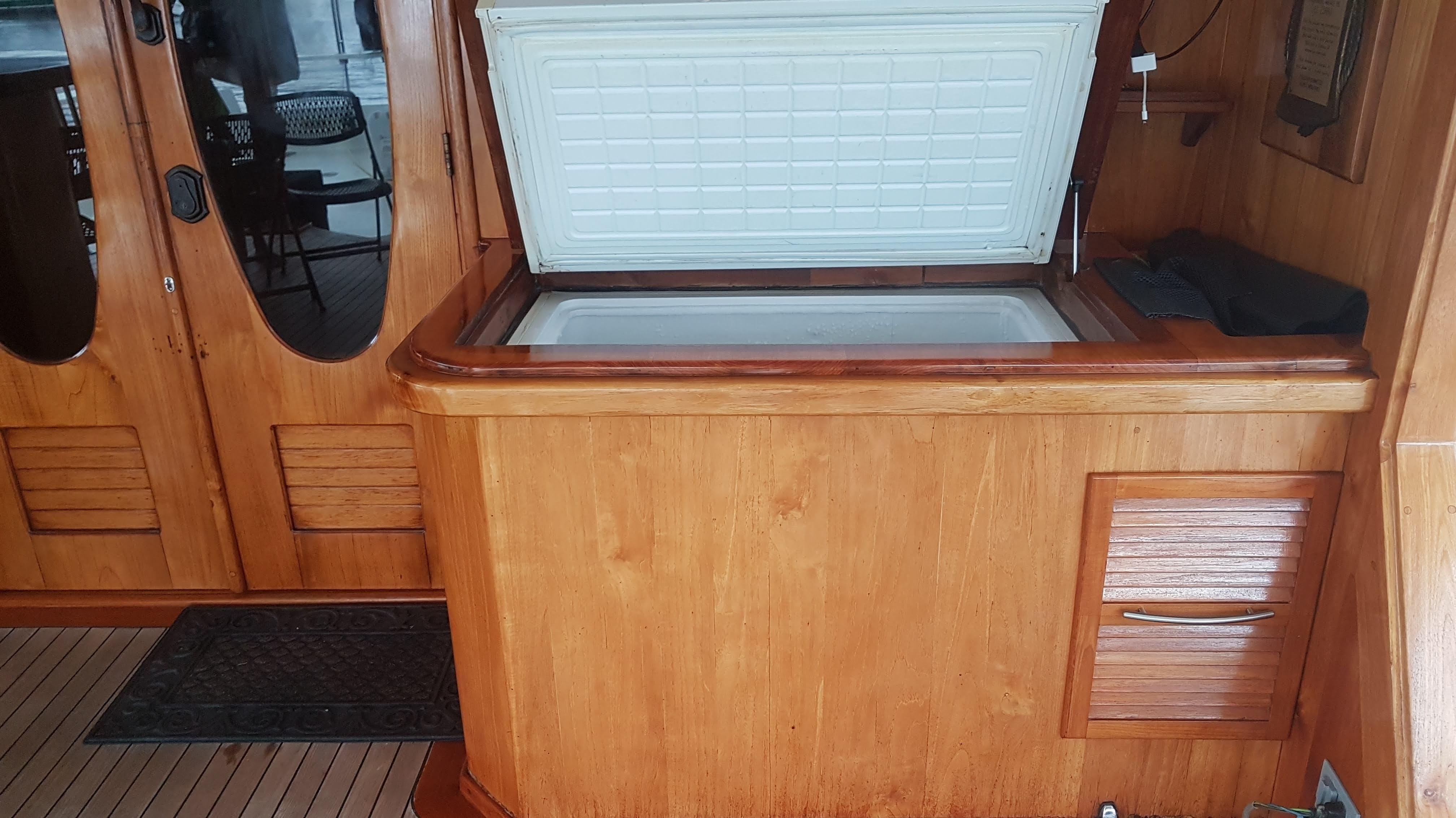 Main deck bar area