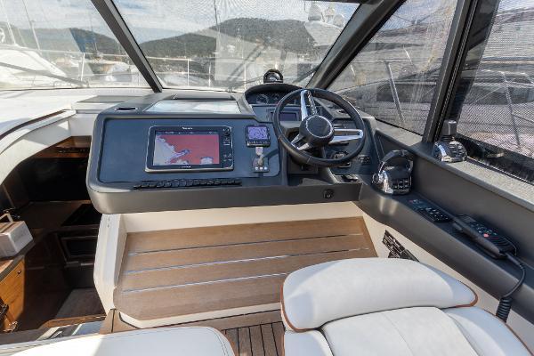 Princess Motor Yacht Sales - Used Princess V48 Open