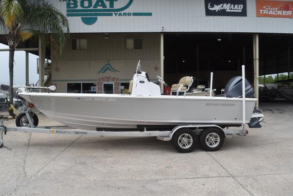 2017 SPORTSMAN BOATS MASTERS 227 BAY BOAT for sale