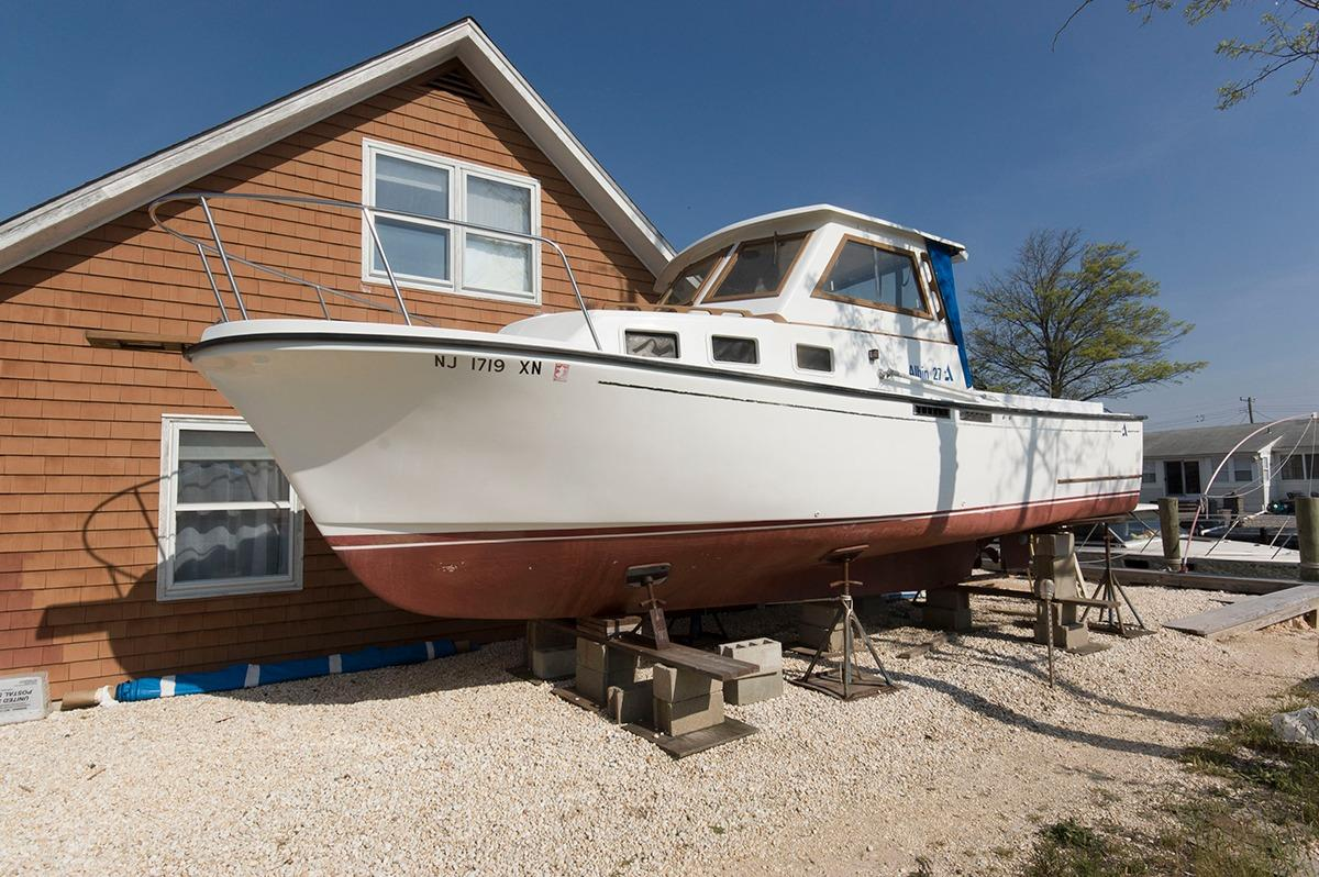 1987 Albin Yachts 27 Express for sale