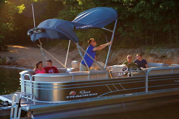2021 Sun Tracker boat for sale, model of the boat is Party Barge 24 DLX & Image # 8 of 13