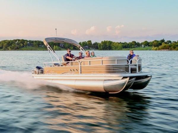 2021 Sun Tracker boat for sale, model of the boat is Sportfish™ 22 XP3 & Image # 1 of 1