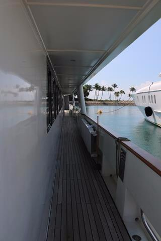 Starboardside walkway to the bow
