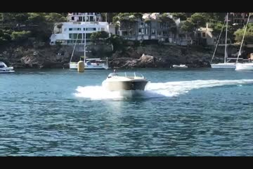 Chris-Craft Corsair 32 video