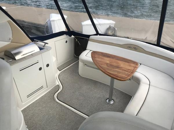 2009 Sea Ray boat for sale, model of the boat is 350 Sundancer & Image # 5 of 19