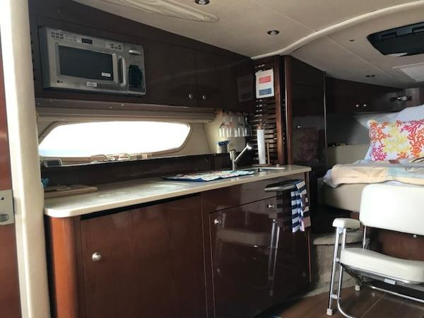 2009 Sea Ray boat for sale, model of the boat is 350 Sundancer & Image # 12 of 19