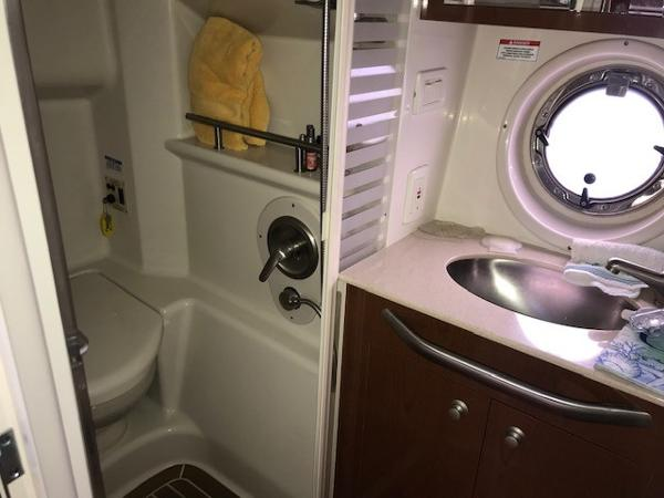 2009 Sea Ray boat for sale, model of the boat is 350 Sundancer & Image # 18 of 19