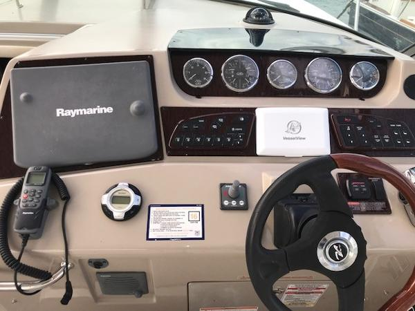 2009 Sea Ray boat for sale, model of the boat is 350 Sundancer & Image # 6 of 19