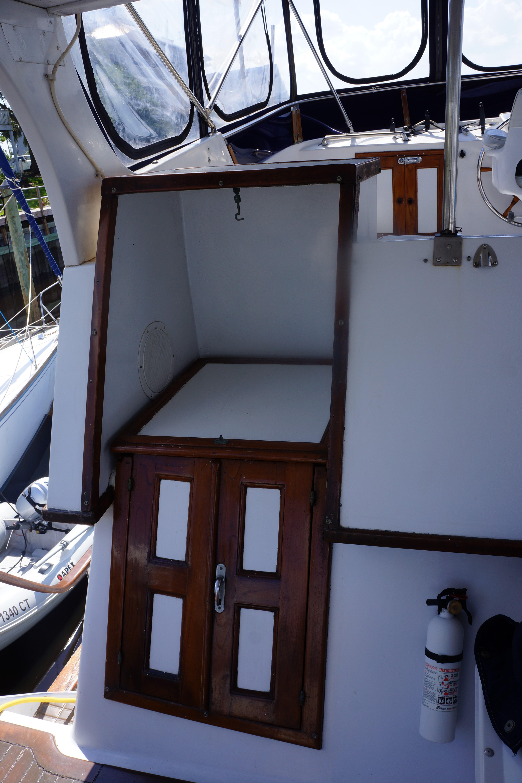 Marine Trader 40 Sundeck - Photo: #38
