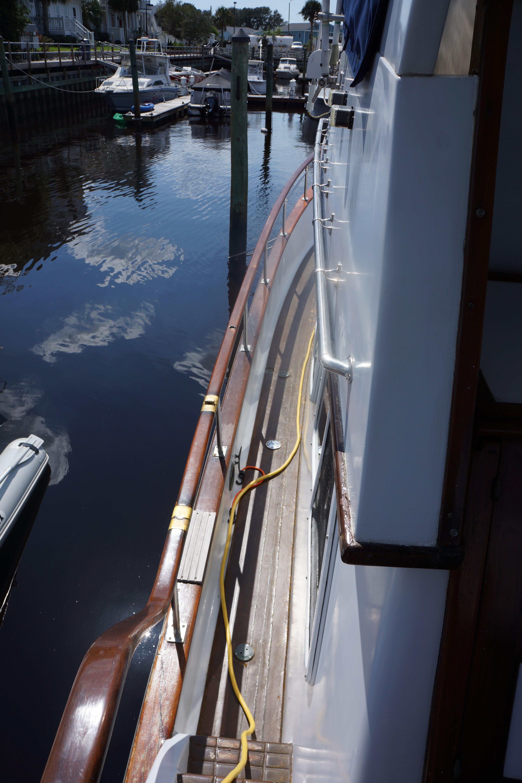 Marine Trader 40 Sundeck - Photo: #34