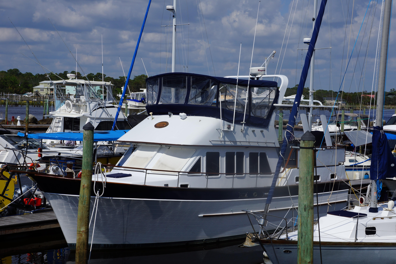 Marine Trader 40 Sundeck - Photo: #1
