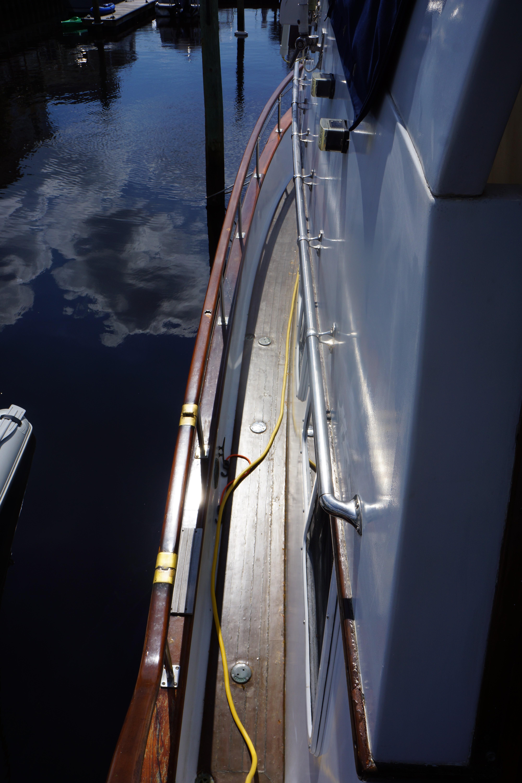 Marine Trader 40 Sundeck - Photo: #19