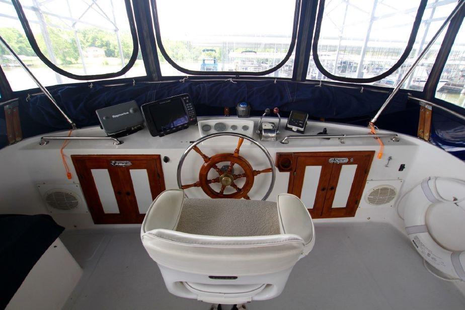 Marine Trader 40 Sundeck - Photo: #23