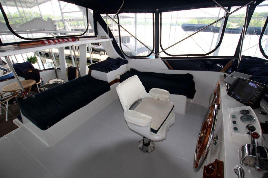 Marine Trader 40 Sundeck - Photo: #21
