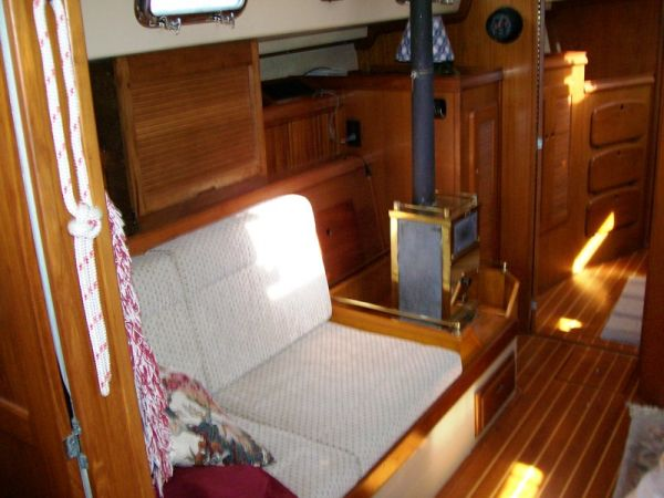 1993 Island Packet 38   Sailboats for Sale