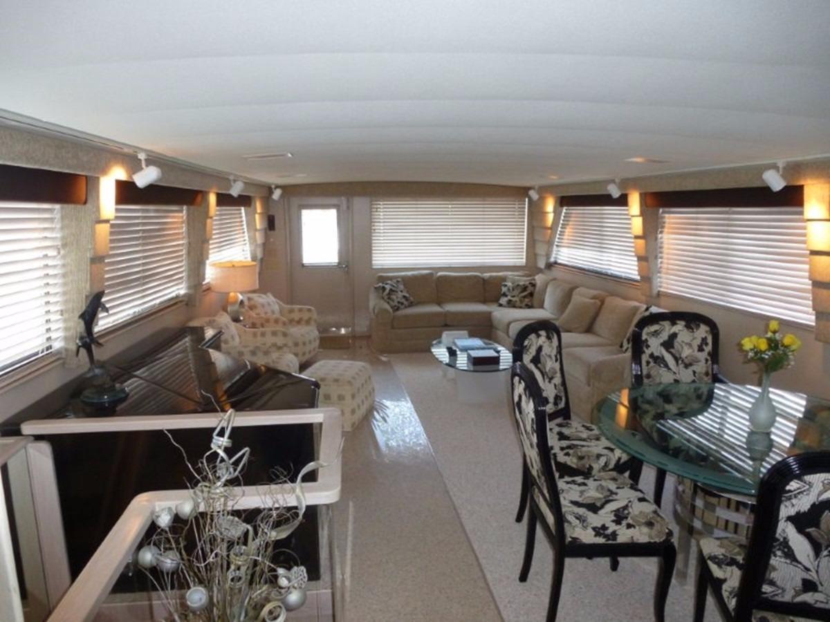 Hatteras 70 Motor Yacht - Salon 2