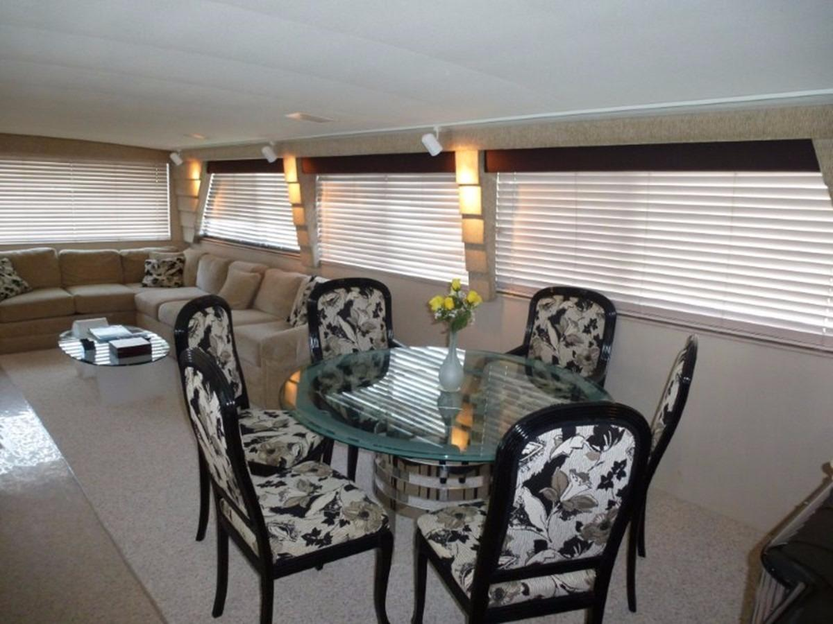 Hatteras 70 Motor Yacht - Dining Table
