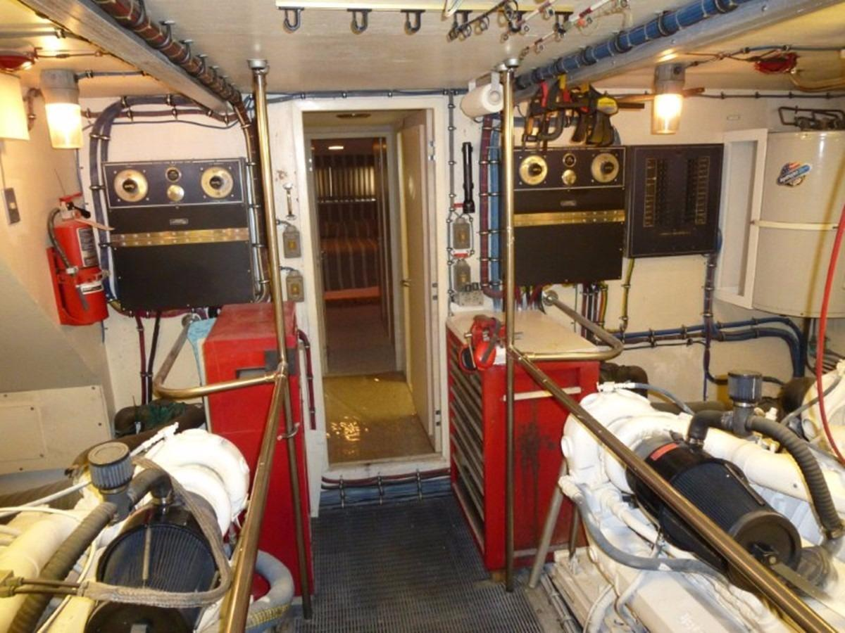 Hatteras 70 Motor Yacht - ER 5