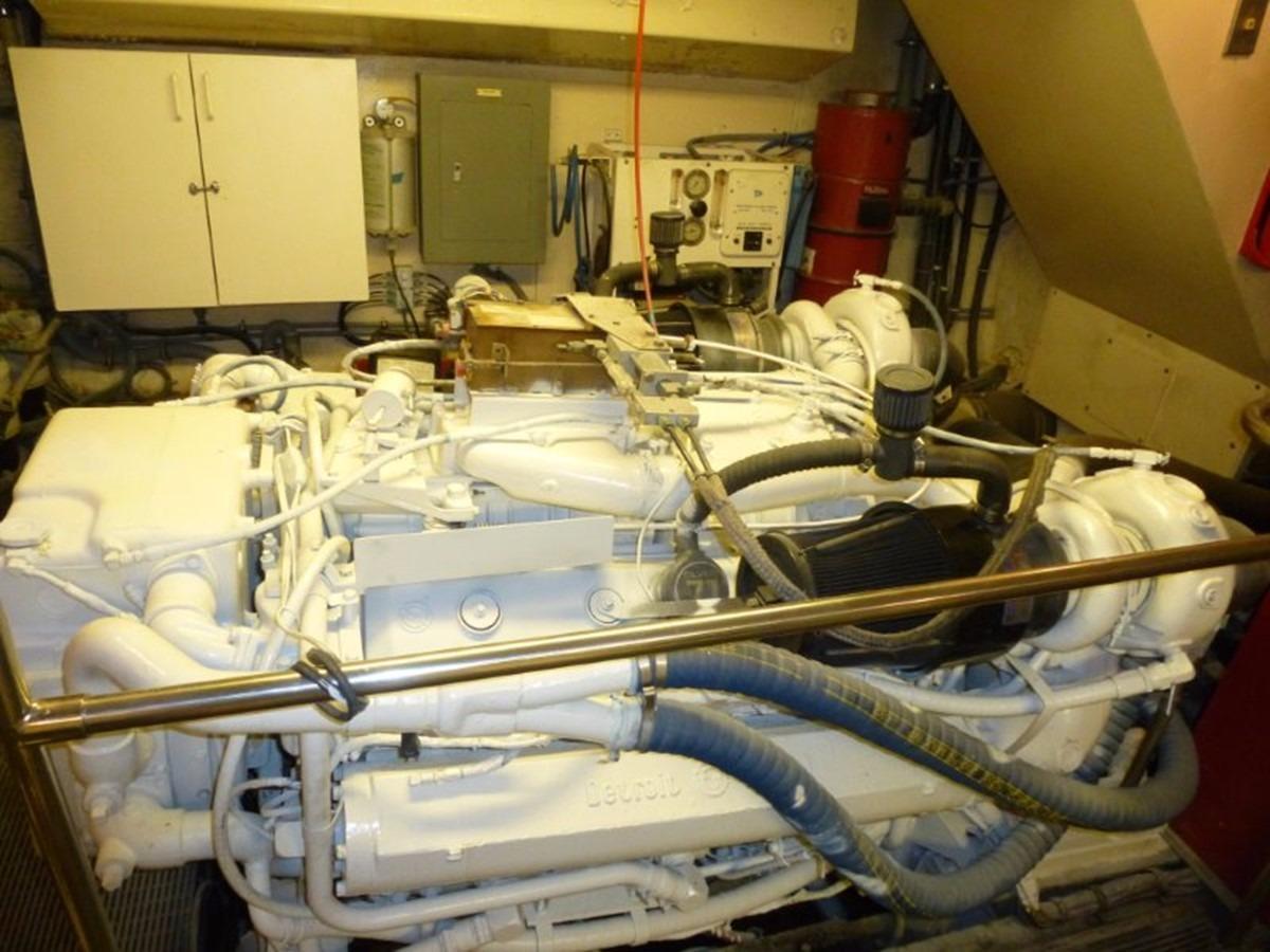 Hatteras 70 Motor Yacht - Starboard Engine