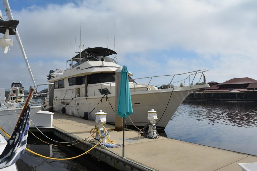 Hatteras 70 Motor Yacht - Photo: #15