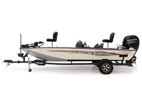 2020 Tracker Boats boat for sale, model of the boat is Pro Team 195 TXW Tournament Edition & Image # 20 of 72