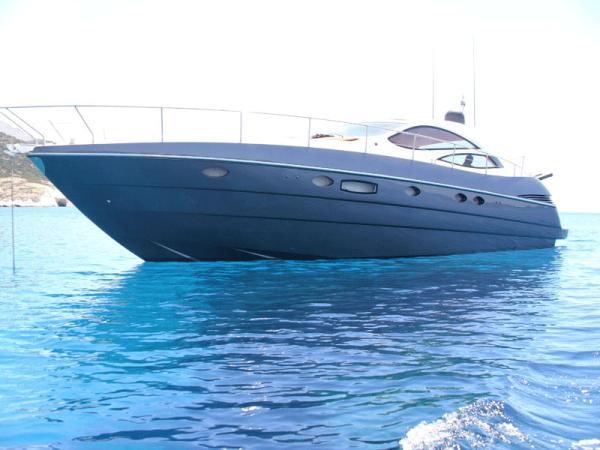 Pershing PRIVATE YACHT Express Cruiser. Listing Number: M-3463521