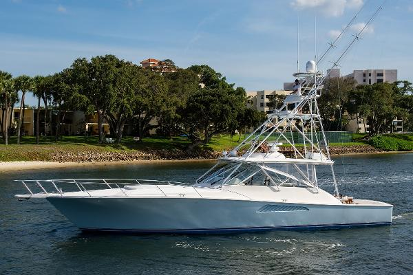 2008 52' Viking Open
