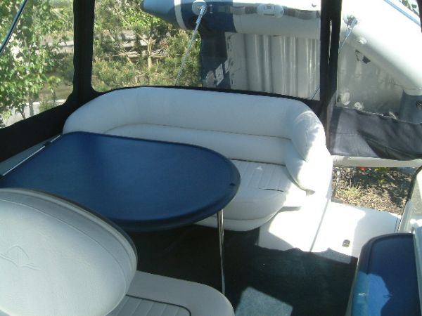 Sealine S23. Excellent example of this popular sports cruiser with a single ...
