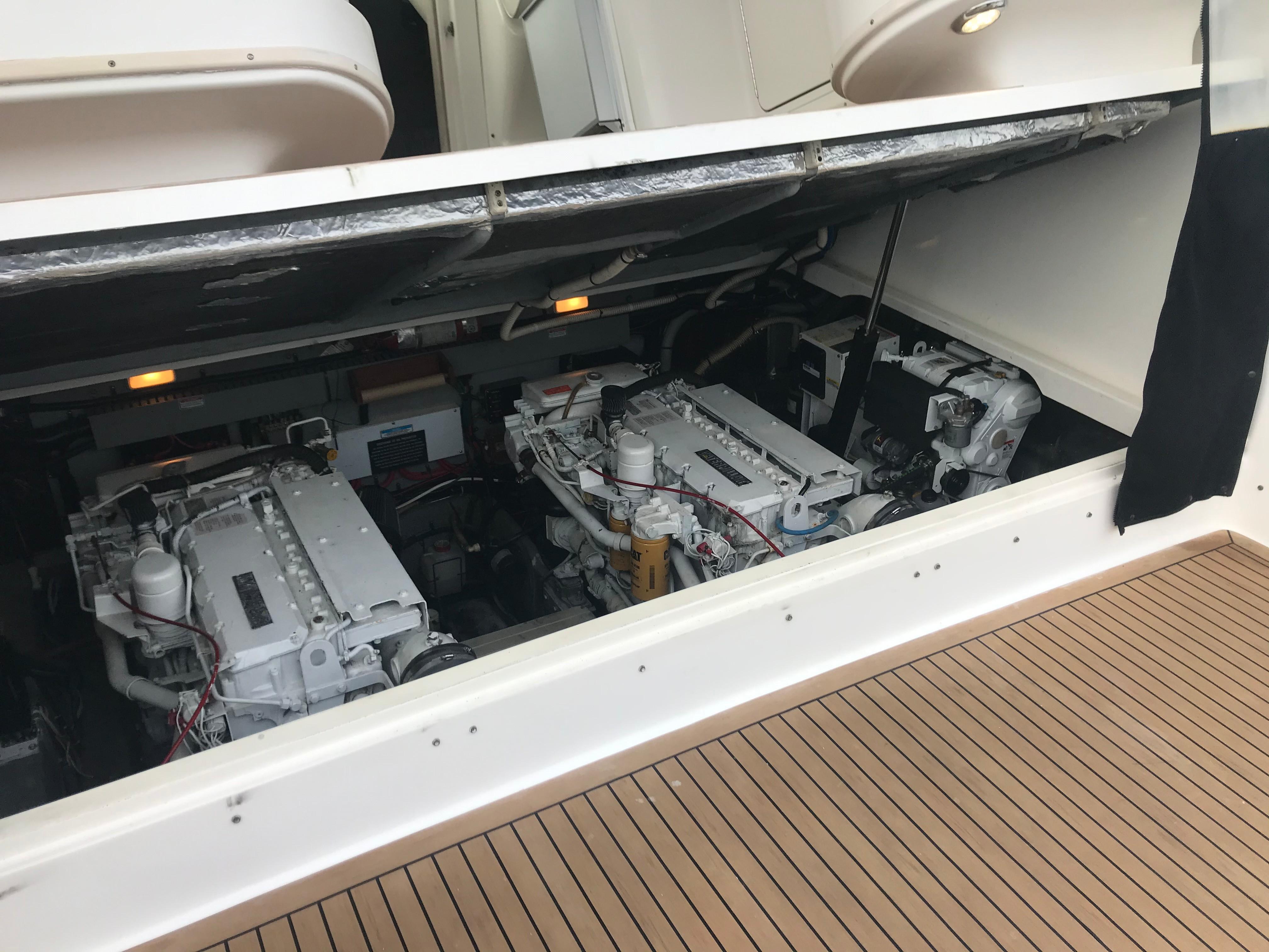 Sea Ray 370 Express Cruiser - Helm Deck Raises Hydraulically