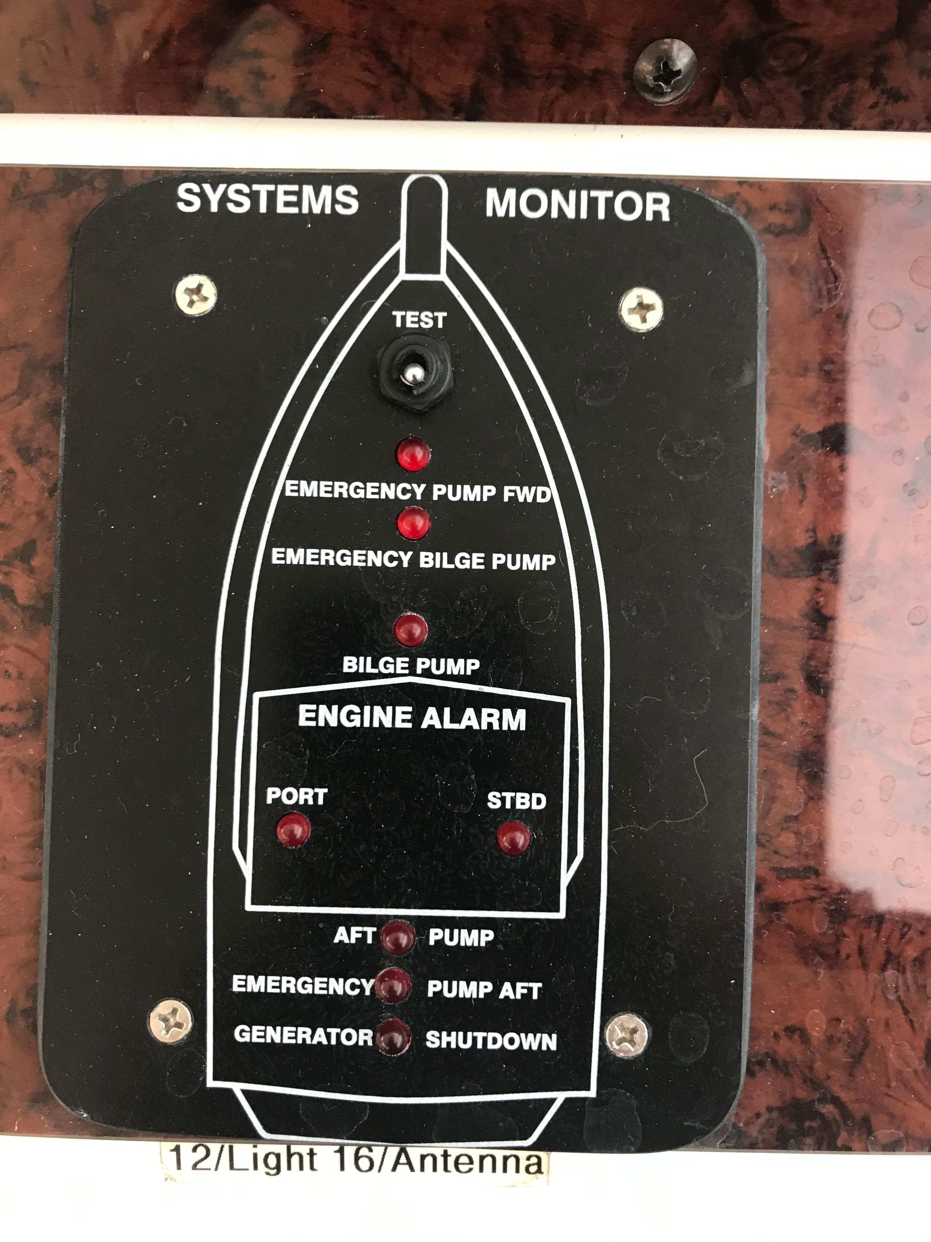 Sea Ray 370 Express Cruiser - Systems monitor