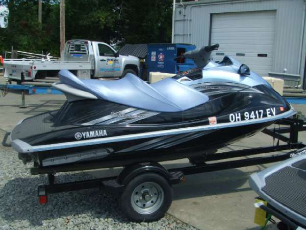 2011 Yamaha Outboards boat for sale, model of the boat is VX Cruiser & Image # 3 of 8